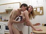 porno in cucina fidanzata appena diciottenne