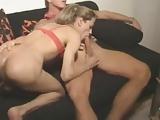 filmato porno transessuale cazzo grosso succhia e inculata