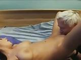 diciannovenne fa sesso con anziano