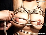 schiava fetish frustata e sculacciata in video bondage