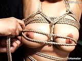 schiava fetish frustata e sculacciata in video bondage
