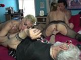 sesso con anziani per succide italiane tatuate