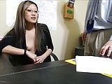 sexy stagista scopata in ufficio dal capo